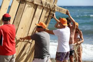 construccion-de-balsas-team-building-playa-exploramas-6