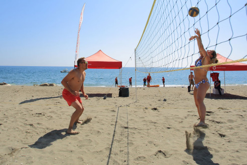 Team-building-sports-beach-volley-exploramas-0