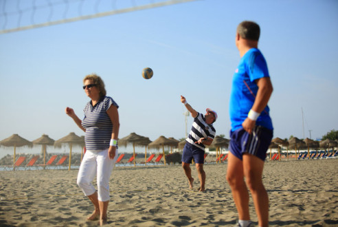 Team-building-sports-beach-volley-exploramas-2