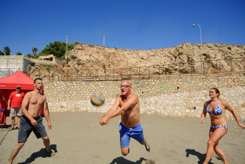 Team-building-sports-beach-volley-exploramas-9