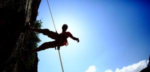 escalada-actividad-aventura-turismo-aventuras-empresas-exploramas-1