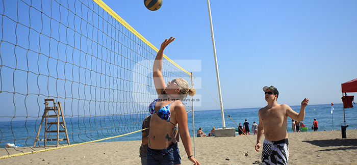 actividades-de-playa-para-empresas-exploramas-torneo-volley-playa