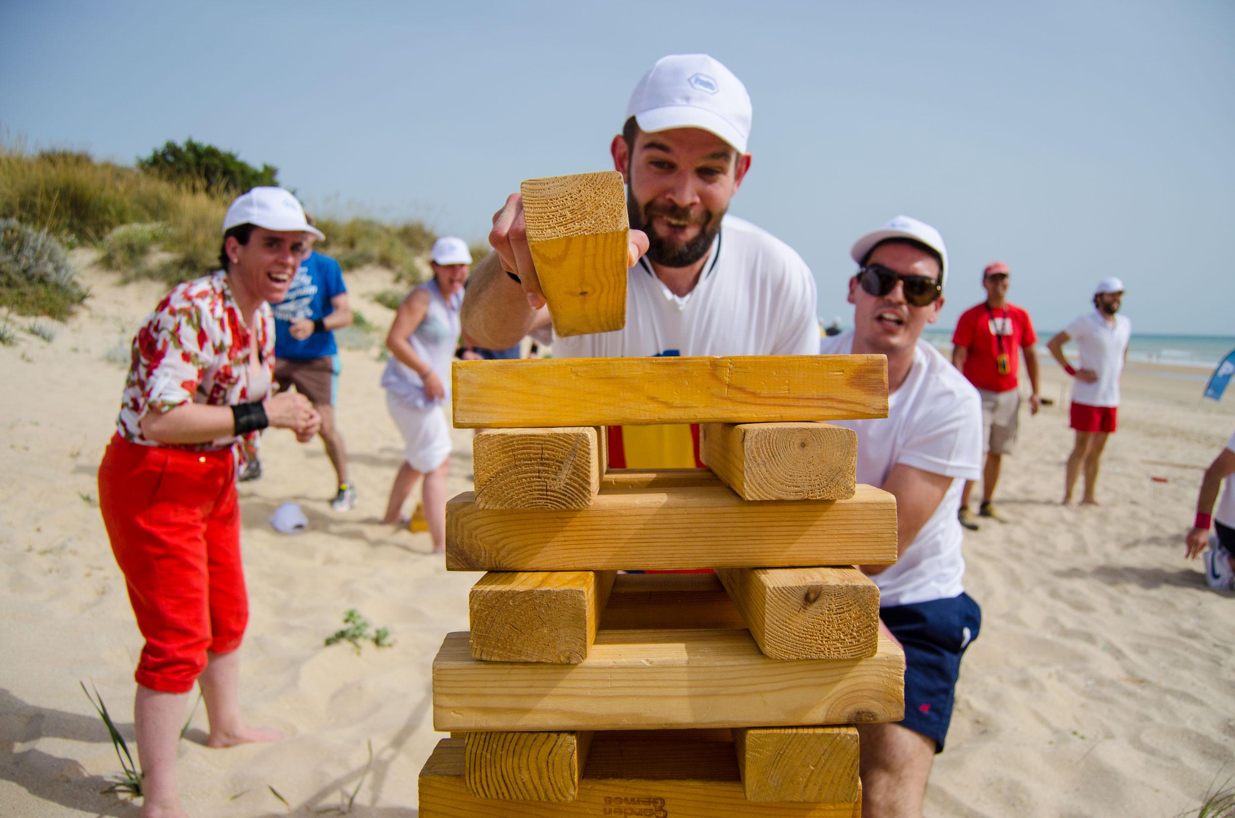 team building actividades en la playa